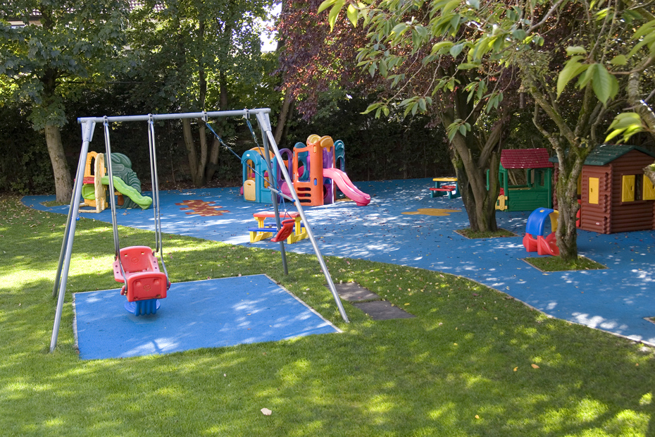 blue surfacing for play areas