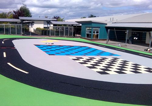 Colourful wetpour in school playground
